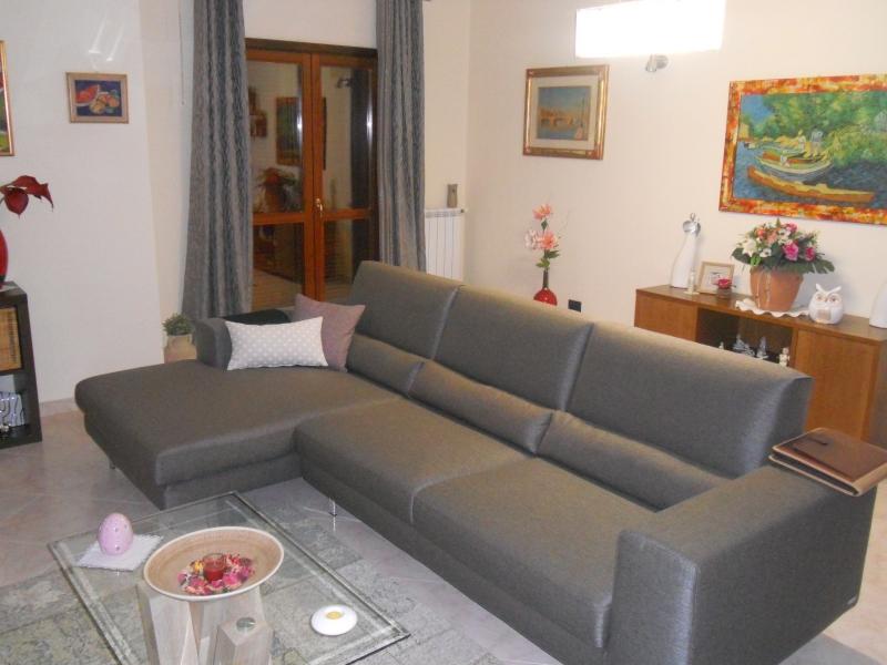 Appartamento in vendita a San Marcellino, 4 locali, prezzo € 135.000 | CambioCasa.it