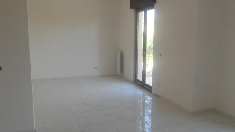 Appartamento in affitto a Lusciano, 3 locali, prezzo € 450 | CambioCasa.it
