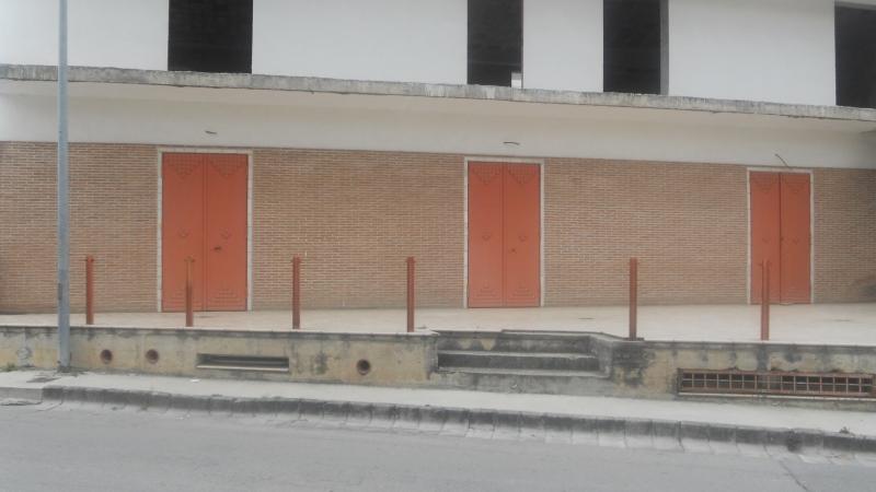 Negozio / Locale in affitto a Lusciano, 9999 locali, prezzo € 1.000 | CambioCasa.it