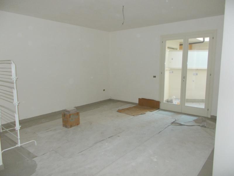 Appartamento in vendita a Aversa, 3 locali, prezzo € 140.000 | CambioCasa.it