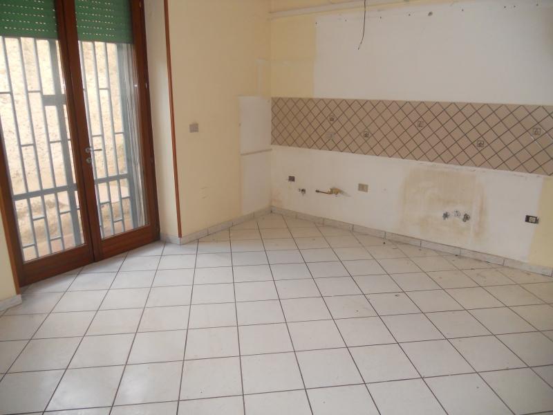 Appartamento in vendita a Aversa, 3 locali, prezzo € 115.000 | CambioCasa.it