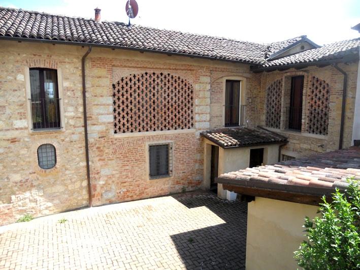 Casa Indipendente ristrutturato in vendita Rif. 6656721