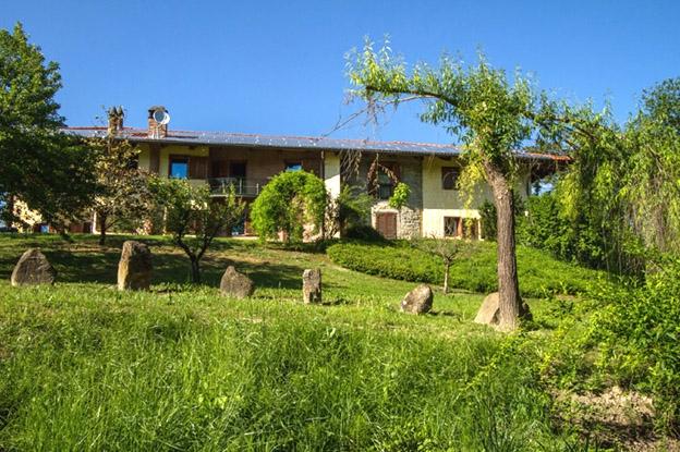 Villamiroglio vendesi azienda agricola 16 vani 780 Mq Rif. 4052983