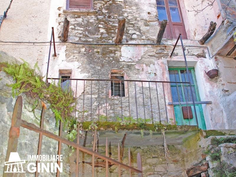 Rustico / Casale in vendita a Cannobio, 4 locali, prezzo € 52.000 | CambioCasa.it