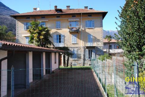 Appartamento in vendita a Cannobio, 6 locali, prezzo € 250.000 | CambioCasa.it