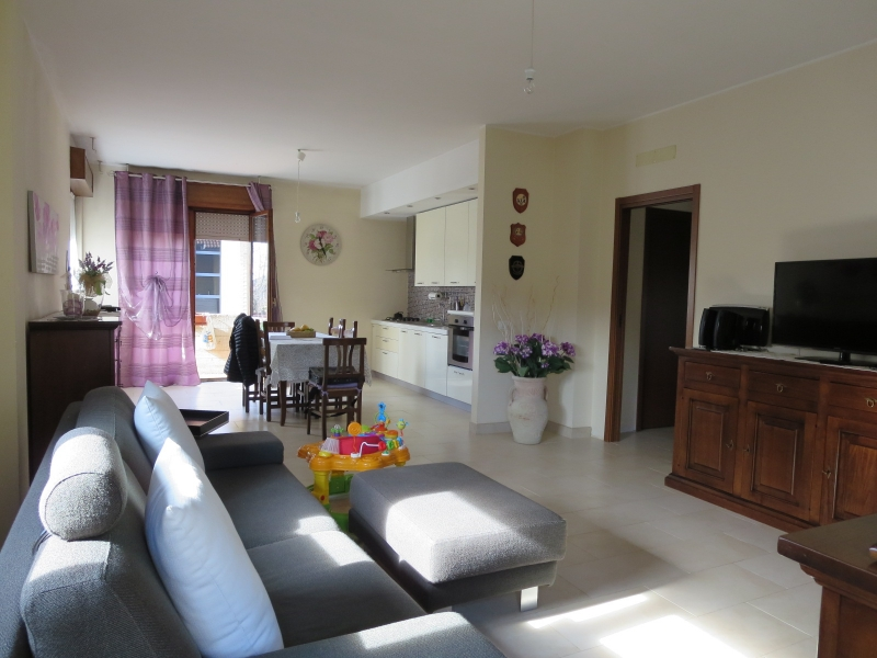 Appartamento in vendita a Desio, 3 locali, prezzo € 149.000 | CambioCasa.it