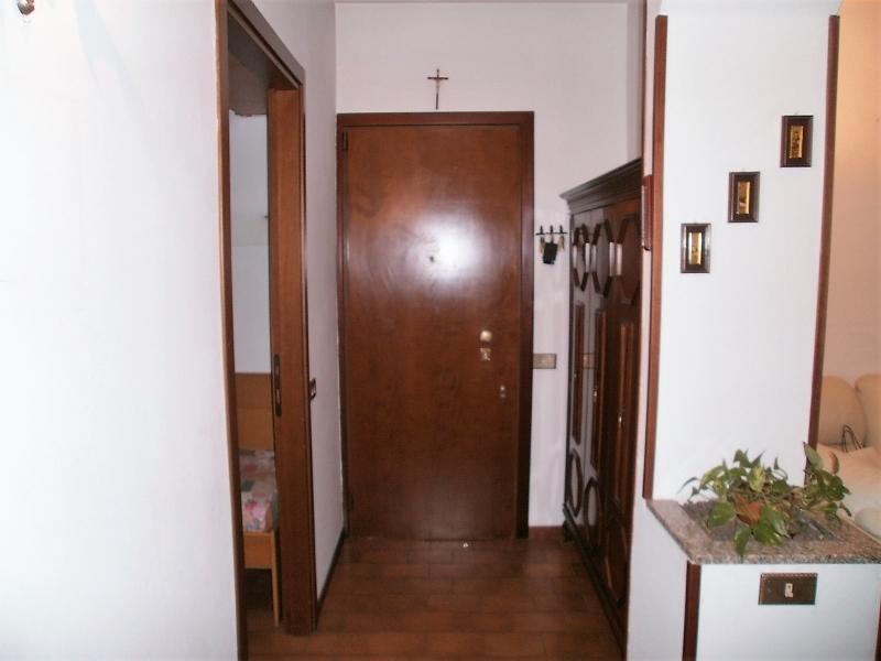 Appartamento in vendita a Nova Milanese, 4 locali, prezzo € 110.000 | PortaleAgenzieImmobiliari.it