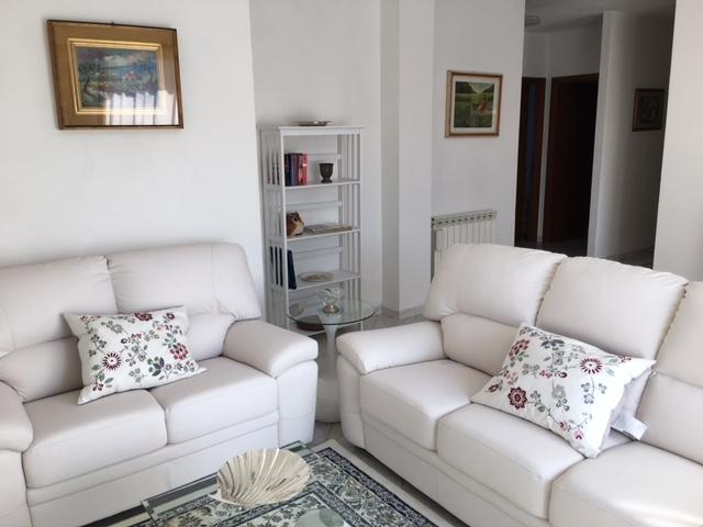Appartamento ristrutturato arredato in affitto Rif. 7309013