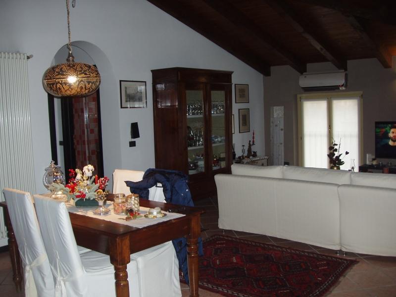 Appartamento in vendita a Castenedolo, 3 locali, prezzo € 180.000   CambioCasa.it