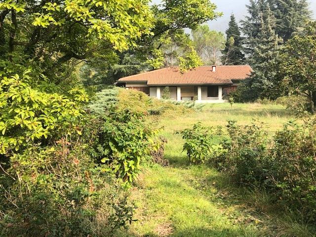 Villa in discrete condizioni in vendita Rif. 11327538