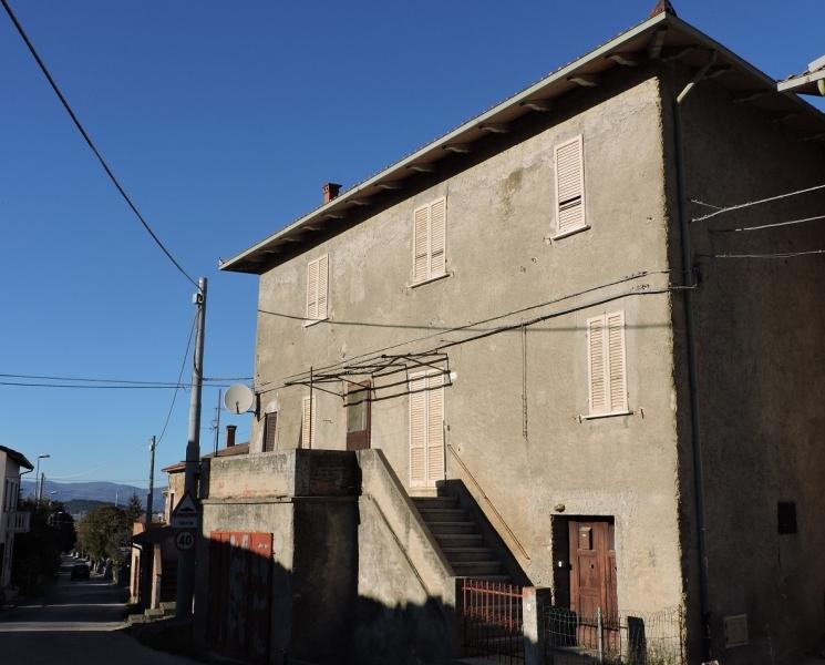 Casa Indipendente in discrete condizioni in vendita Rif. 4051553