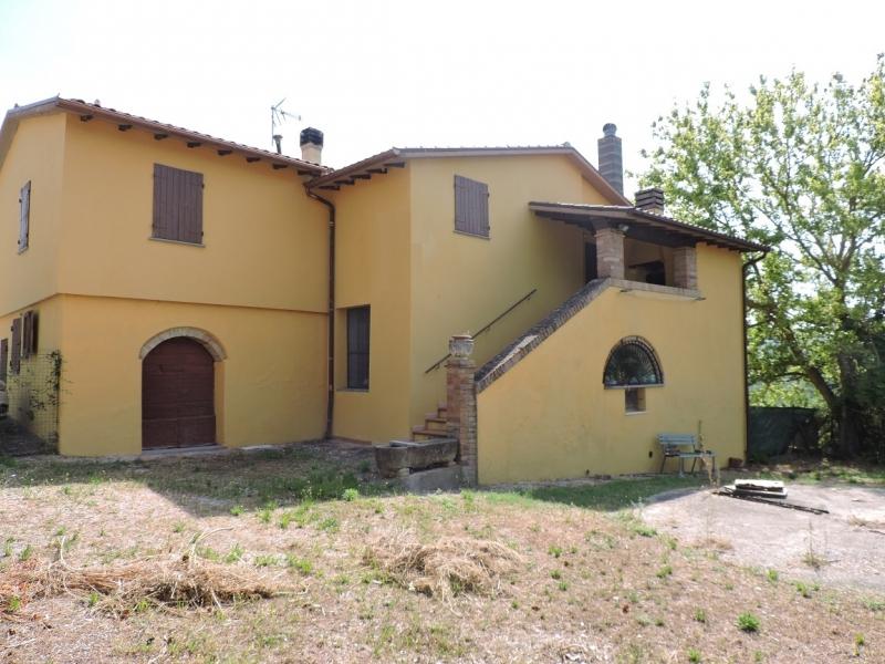 Rustico / Casale da ristrutturare in vendita Rif. 11400076