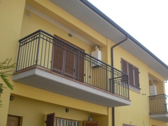 Appartamento da ristrutturare arredato in vendita Rif. 4050129