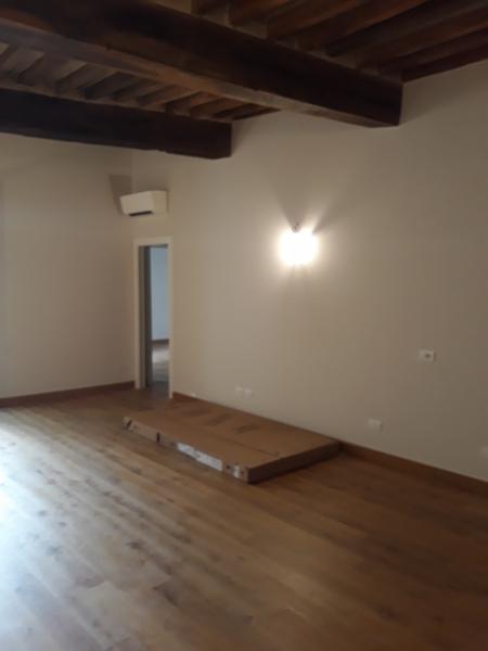 Appartamento ristrutturato in vendita Rif. 12022496