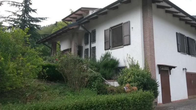 Villa 390 mq  in Vendita a Parma