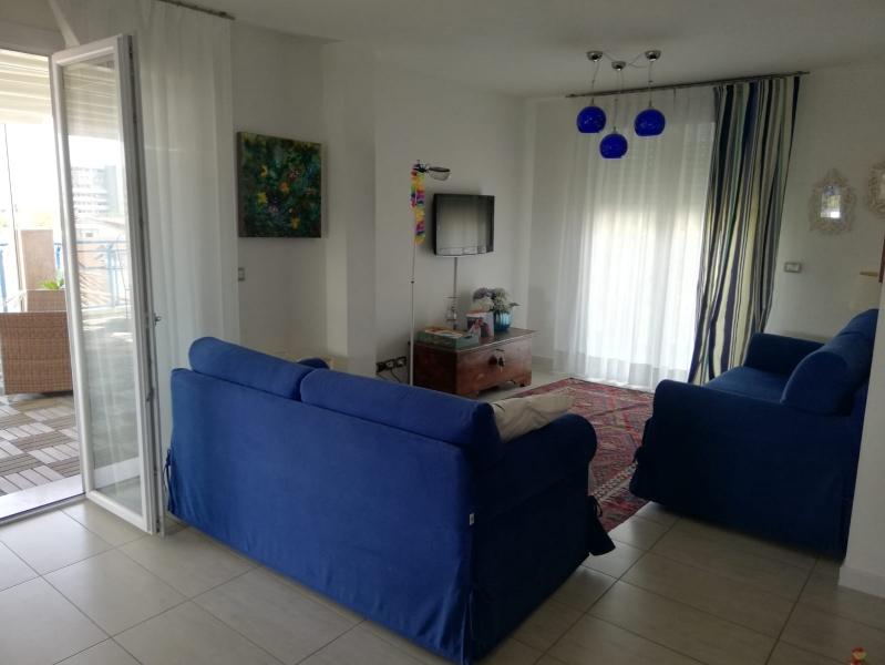 Appartamento in discrete condizioni post_categories_options/property_options.data.interior_decoration.data.20 in vendita Rif. 8077424