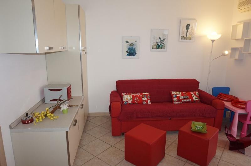 Appartamento da ristrutturare post_categories_options/property_options.data.interior_decoration.data.20 in vendita Rif. 9706195