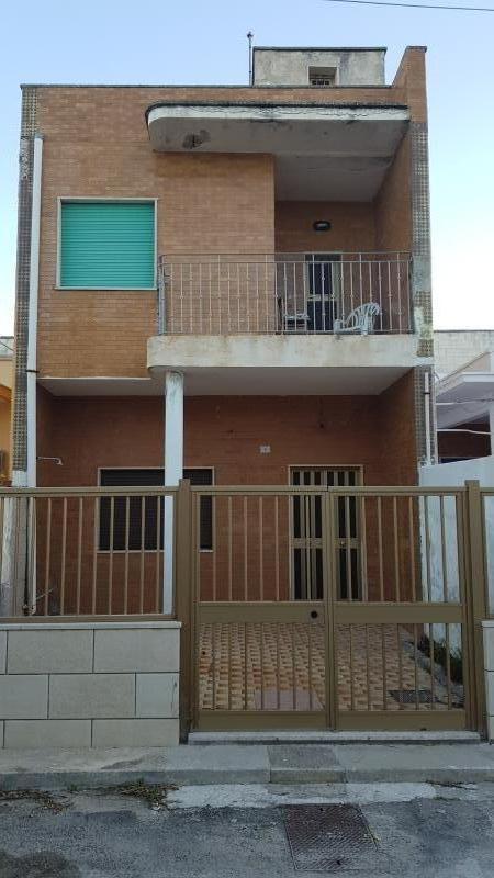 Casa Indipendente da ristrutturare in vendita Rif. 10237098