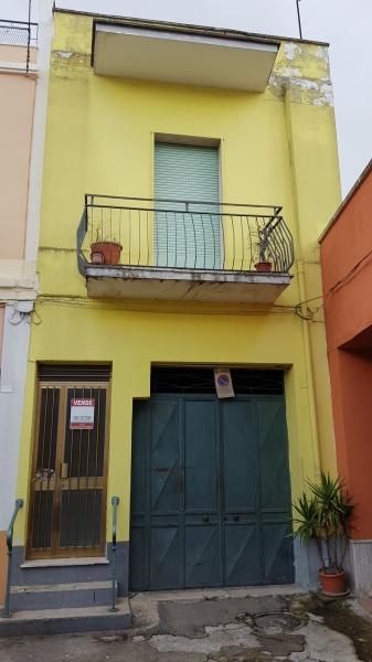 Appartamento in discrete condizioni in vendita Rif. 11500882