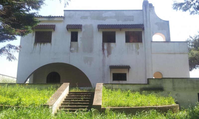 Villa in discrete condizioni in vendita Rif. 10537129