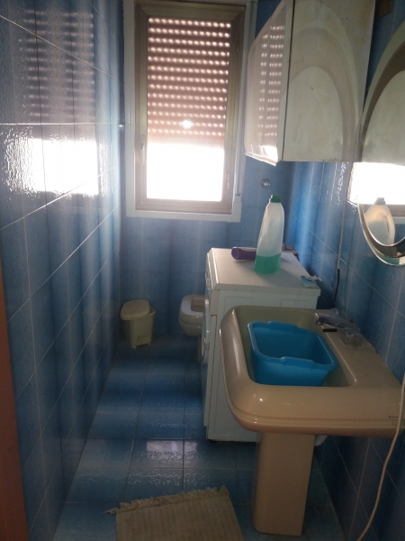 Appartamento in discrete condizioni in vendita Rif. 9134885