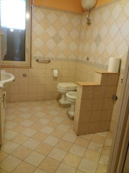 Appartamento in discrete condizioni in vendita Rif. 9223788