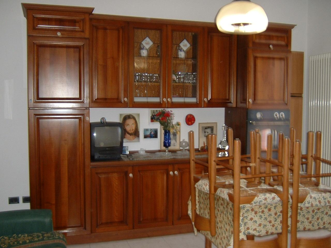 Appartamento cercasi Rif. 10889058