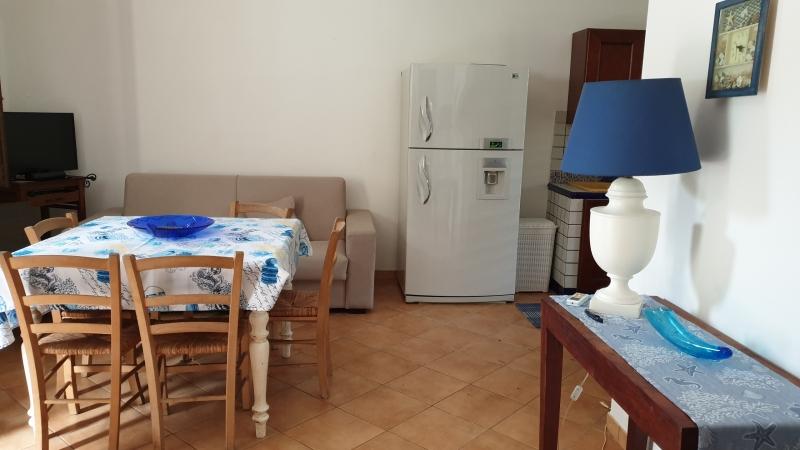 BONAGIA - Villetta 3 vani+accessori+veranda al piano e terrazzo attrezzato con vista mare. Lotto di mq 400 ca. Buone condizioni. Euro 150mila CL GI Rif. 4995445
