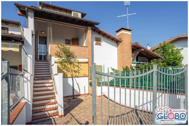 Villetta a schiera da ristrutturare arredato in vendita Rif. 8871345