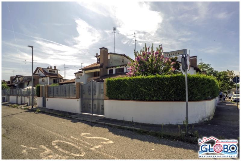 Villetta a schiera ristrutturato post_categories_options/property_options.data.interior_decoration.data.20 in vendita Rif. 11100097