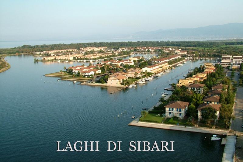 terra mare 8 posti letto con posto barca, giardino e vista sul Pollino