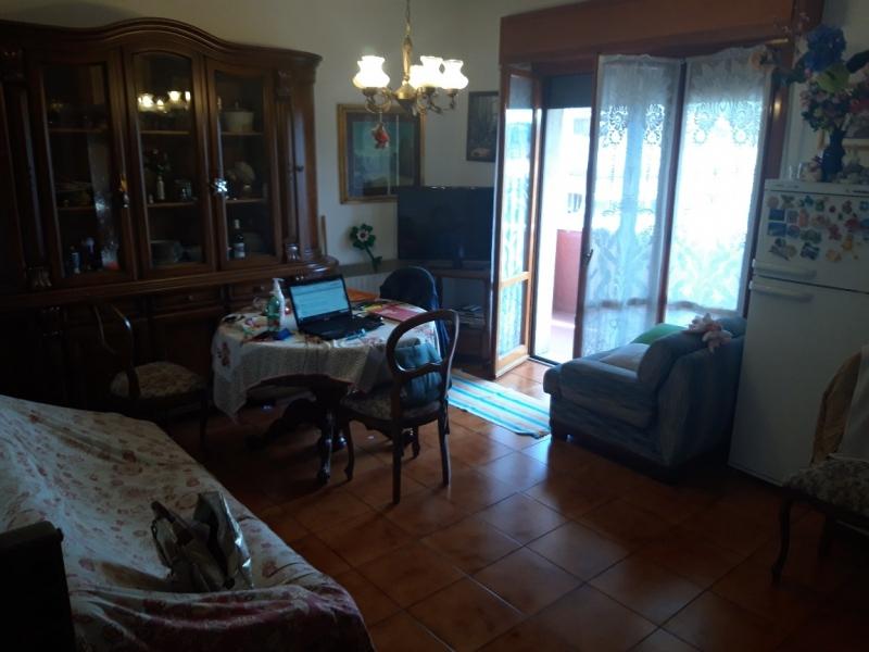 Appartamento in affitto a Montecatini-Terme, 3 locali, prezzo € 500   CambioCasa.it