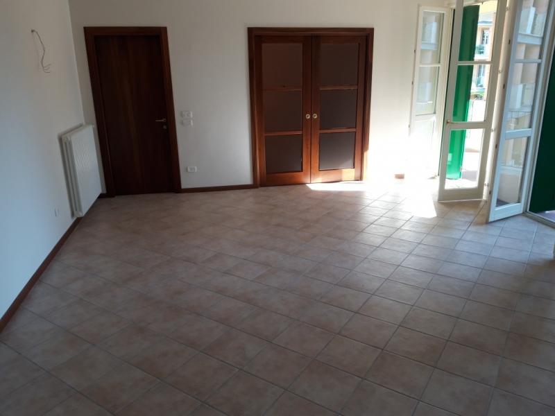 Appartamento in vendita a Montecatini-Terme, 3 locali, prezzo € 270.000 | CambioCasa.it