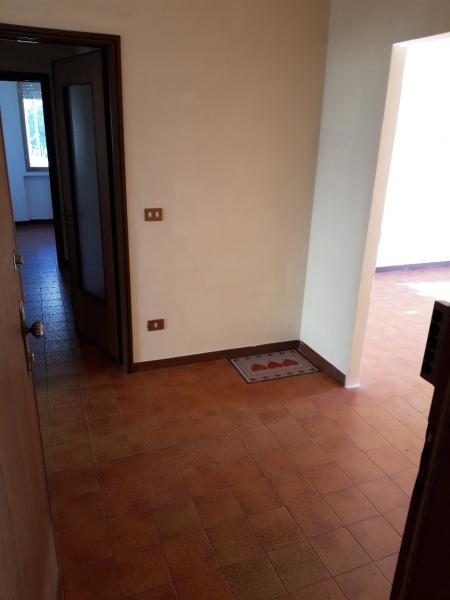 Appartamento in affitto a Montecatini-Terme, 4 locali, prezzo € 550   CambioCasa.it