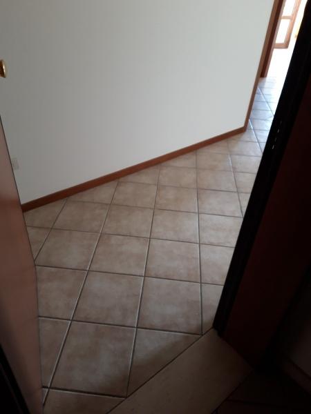 Appartamento in vendita a Uzzano, 3 locali, zona Zona: Santa Lucia, prezzo € 98.000   CambioCasa.it