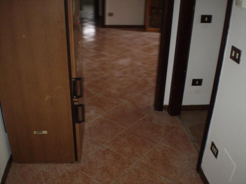 Appartamento in vendita a Montecatini-Terme, 3 locali, prezzo € 105.000 | PortaleAgenzieImmobiliari.it