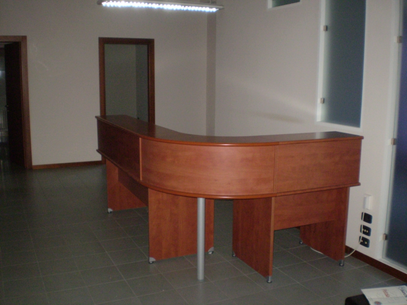 Ufficio / Studio in affitto a Montecatini-Terme, 6 locali, prezzo € 1.500 | CambioCasa.it