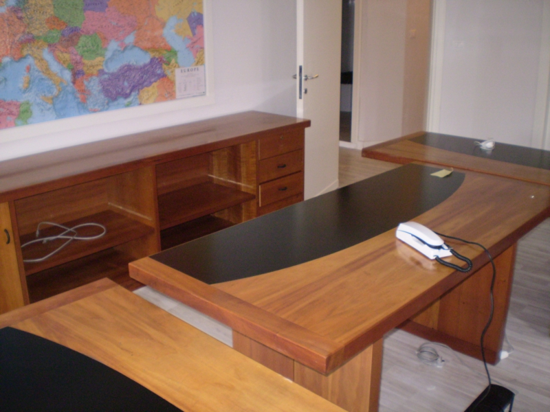 Ufficio / Studio in affitto a Montecatini-Terme, 5 locali, prezzo € 1.600 | CambioCasa.it