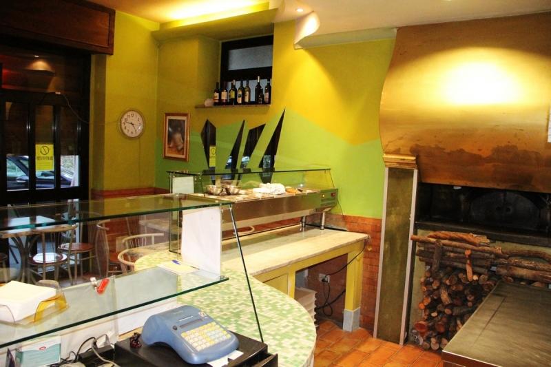 Orvieto (Ciconia) - Vendesi locale pizzeria in zona di alto passaggio veicolare. Rif. 4993754