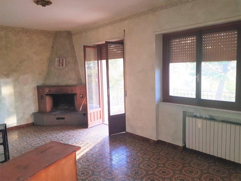 Appartamento da ristrutturare in vendita Rif. 11288181