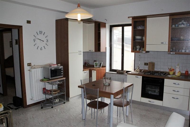 Appartamento da ristrutturare in vendita Rif. 10940760