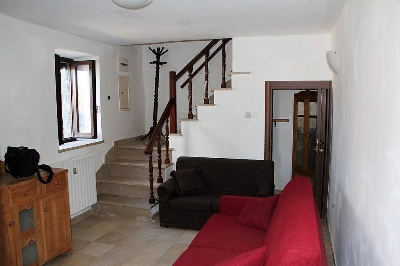 Appartamento da ristrutturare in vendita Rif. 10546005