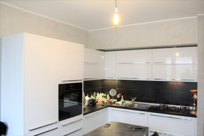 Appartamento da ristrutturare in vendita Rif. 10893910