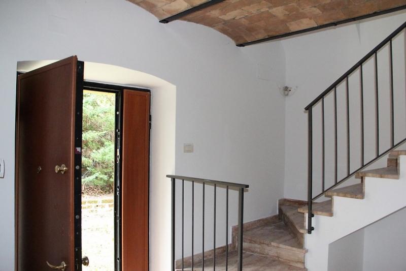 Orvieto - Affittasi appartamento con ingresso indipendente, terrazza e area esterna nella periferia di Orvieto