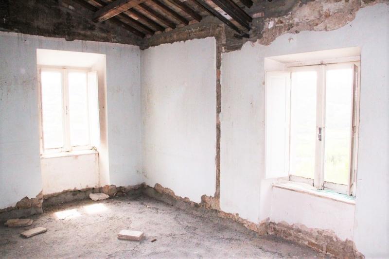 Appartamento in discrete condizioni in vendita Rif. 10545849