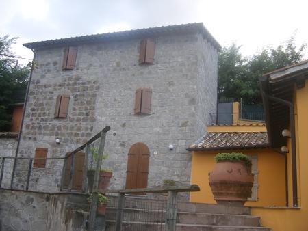 Attività agrituristica in vendita Lubriano. Ristrutturata ed inaugurata nel 2004 Rif. 4988542