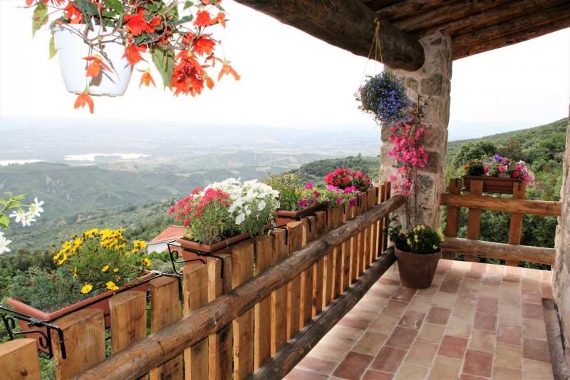 Alviano - Abitazione indipendente di nuova costruzione allo stato grezzo con magnifica vista panoramica in vendita tra Umbria e Lazio.