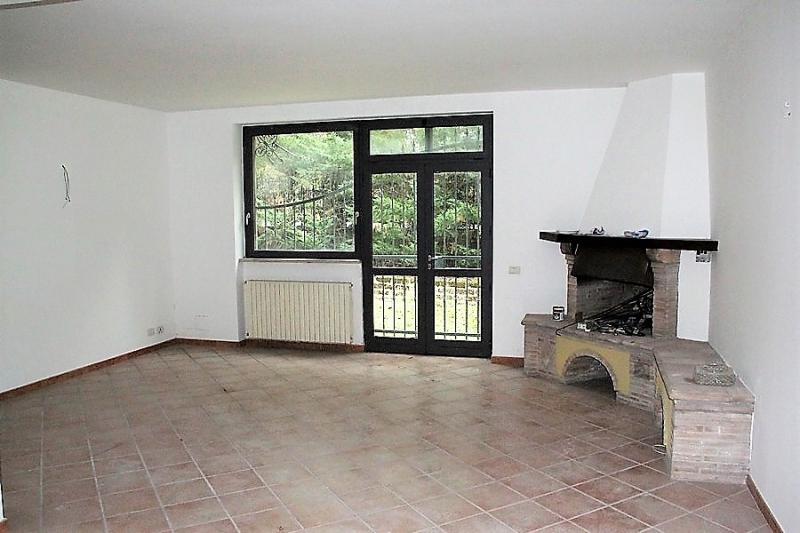 Orvieto - Affittasi appartamento indipendente al piano terra con ampia area esterna