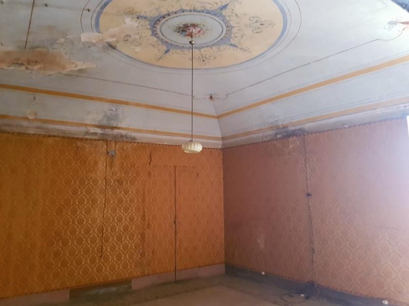 Appartamento in discrete condizioni in vendita Rif. 11076523