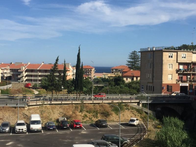 Appartamento 100 mq  in Vendita a Riva Ligure